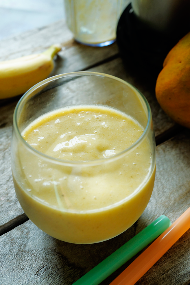 A freshly blend of fresh fruits like (frozen) banana and fresh mango made up this super delicious smoothie. This Mango Banana smoothie is almost a replica of the Starbucks Mango Banana smoothie. I said almost because I skipped the Greek yogurt on this one and I chose a fresh mango to replace the mango nectar.